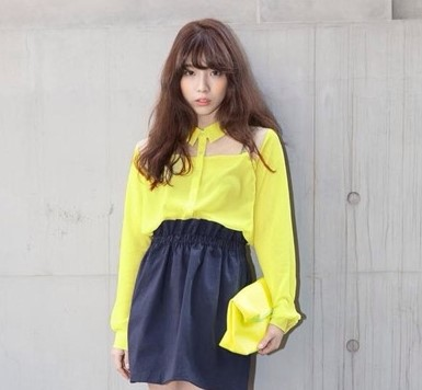 衬衫+可爱半身裙 小个子mm显高调皮搭配