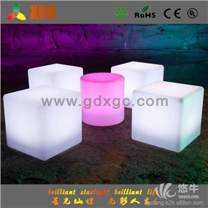 供应创意时尚发光立方体LED发光酒吧家具户外发光创意凳子LED凳子