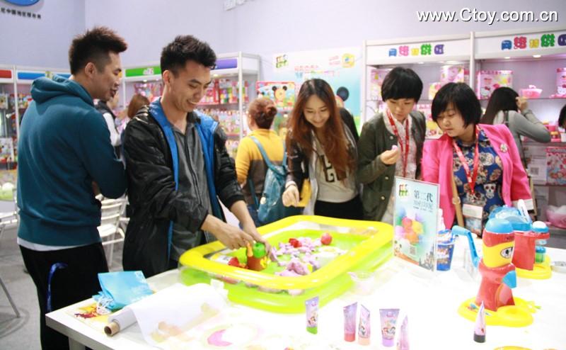 2014年广州玩具展现场