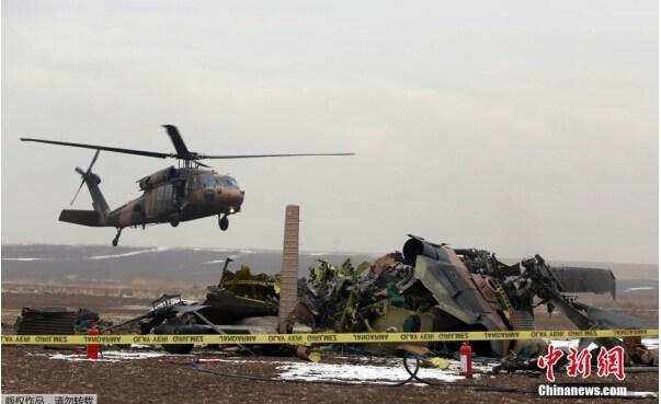 资料图   对于导致多次通航安全事故的罪魁祸首超高压输电缆线,在中华人民共和国民用航空行业标准《民用直升机飞行场地技术标准(5013-2014)》、《民用机场飞行区技术标准(MH5001-2013)》包括《国际标准和建设措施-机场》附件十四早有相关规定和明确要求,特别是《民用机场飞行区技术标准(MH5001-2013)》对障碍物标志和标识有严格要求,在我国民用航空行业标准《航空障碍灯(MH6012-1999)》中对障碍物的标识和障碍灯的光强、性能都有严格的要求,而障碍物限制要求则主要根据障碍物是否在机