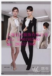 全棉三件套 产品汇 供应商场营业员工作服-女式外套裙子衬衫三件套-女士西装套装定做-珠宝店员服-箱包店员销售服订做-上海亿妃