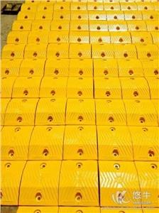 供应铸钢减速带50高反光减速带