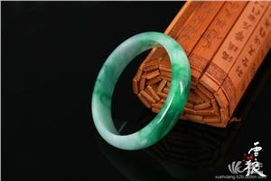 供应老坑种宽条艳绿翡翠手镯什么颜色最好