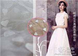 全棉花布面料 产品汇 供应爆款牛奶丝水溶绣花蕾丝面料时尚婚纱女装连衣裙服装面料
