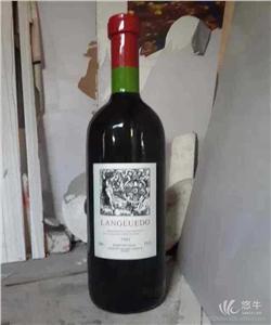 供应酒店酒庄商业室内玻璃钢雕塑葡萄酒瓶摆件