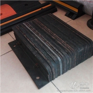 供应XHA-FZJ-6专业防撞设施橡胶防撞块橡胶防撞块