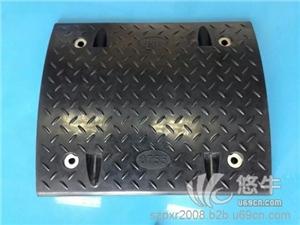 供应鹏翔瑞PXR-JSD1大圆弧橡胶减速带大圆弧橡胶减速带