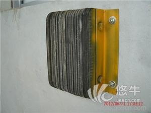 供应深圳鹏翔瑞FZK防撞胶垫 卸货平台防撞块防撞胶防撞块