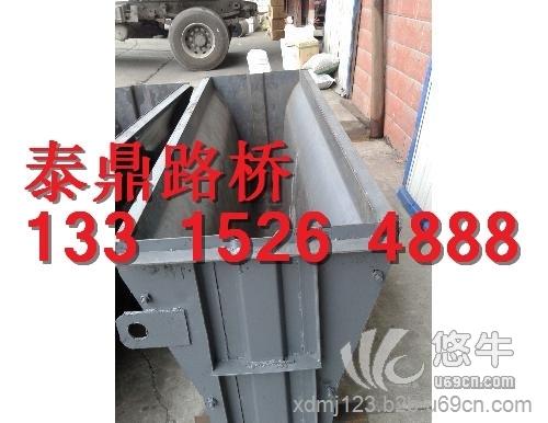 混凝土隔离墩钢模具1
