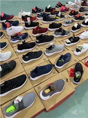工厂尾货特步鞋